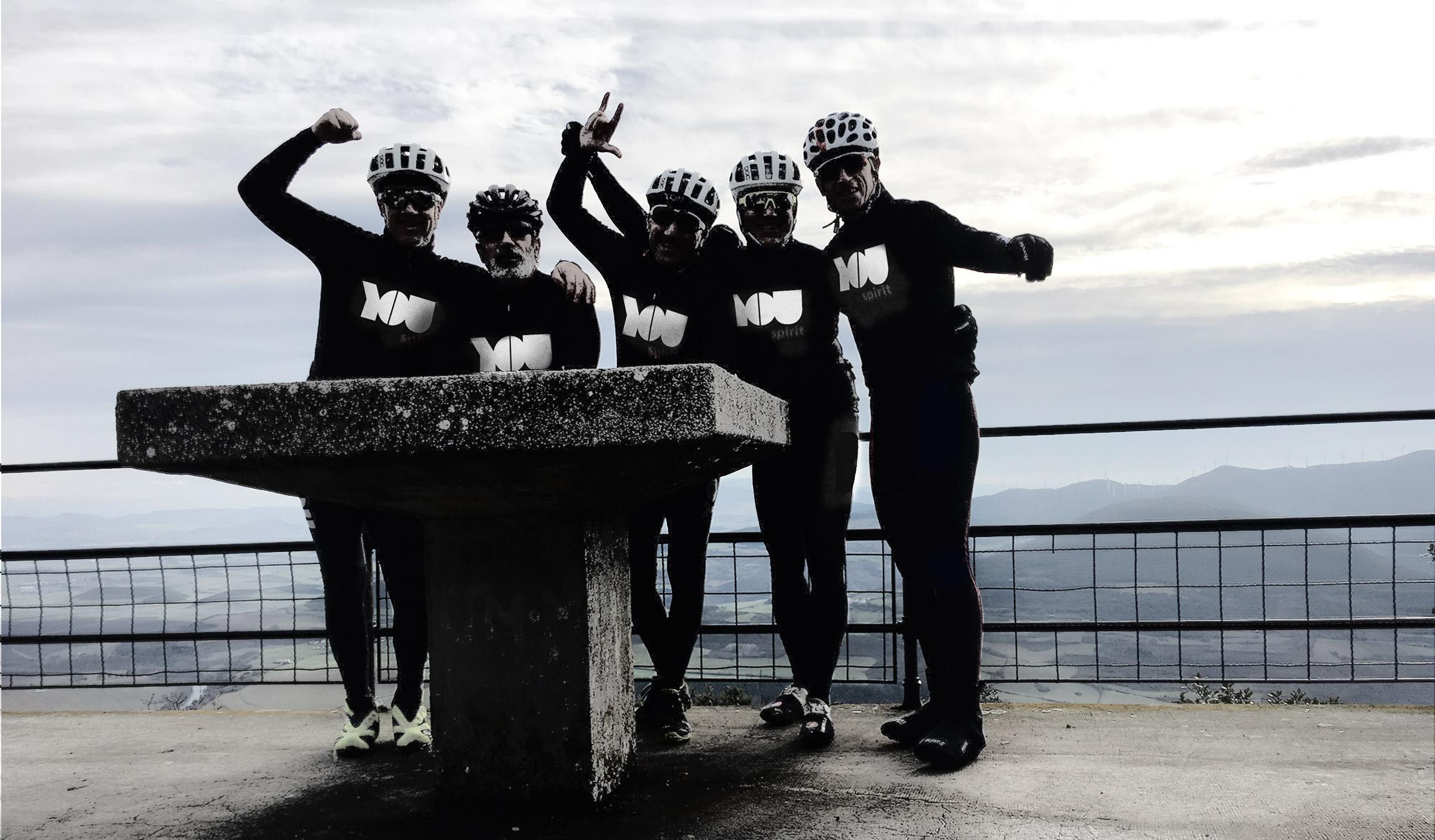 Ciclistas del equipo You Spirit
