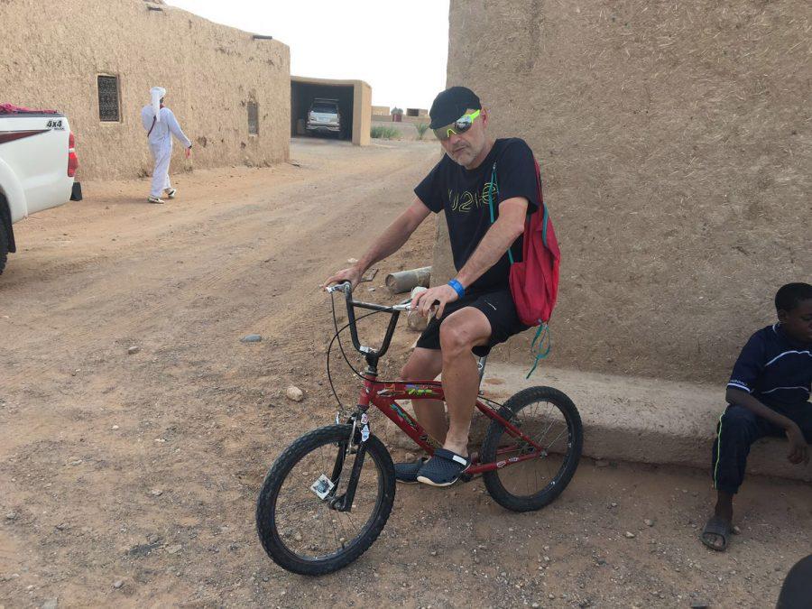 Con una bici antigua